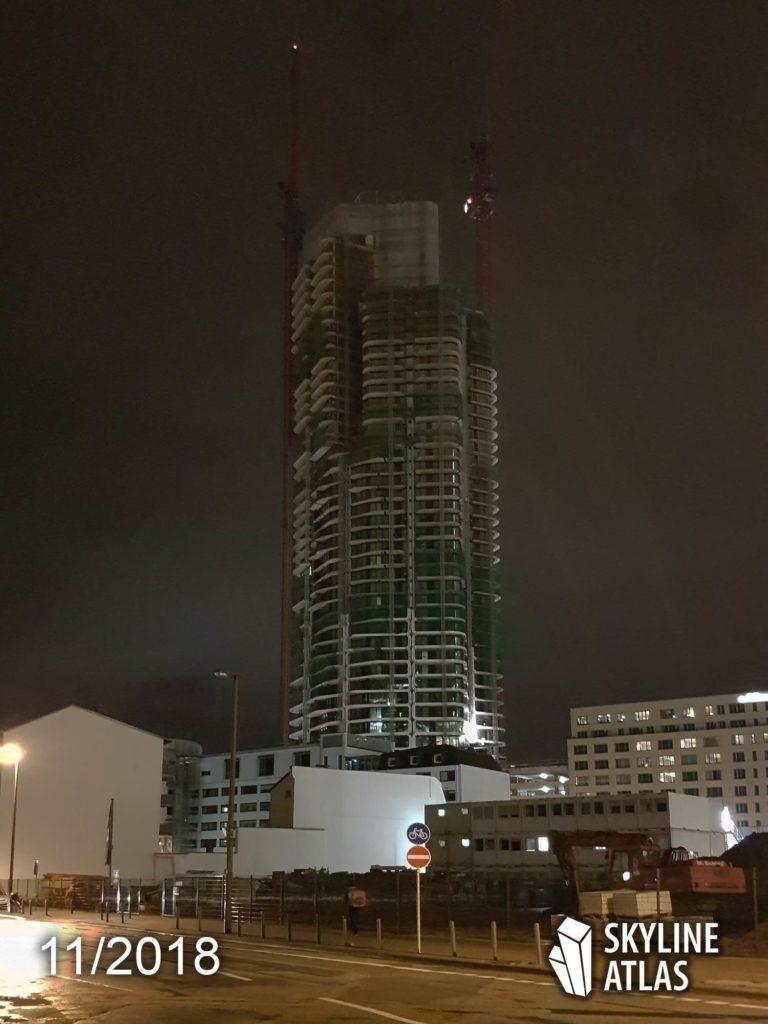 Grand Tower - Wolkenkratzer Frankfurt - Baustelle bei Nacht