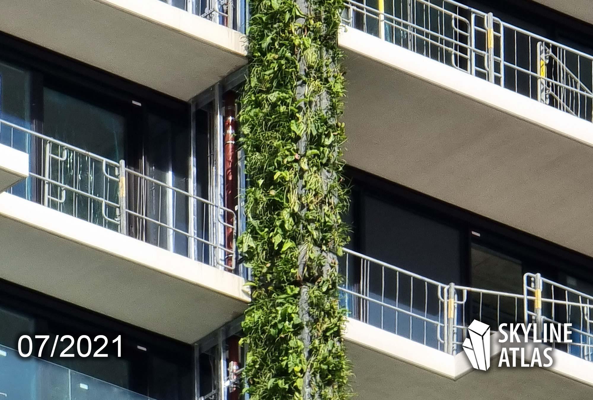 Hochhaus Bepflanzung Eden Tower - Grünes Hochhaus Frankfurt - Pflanzen an Fassade - Eden Tower FFM - Juli 2021