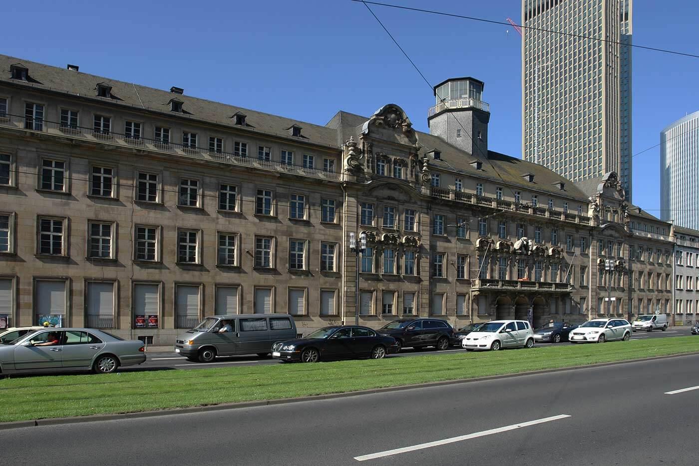 Stadt Frankfurt setzt Land Hessen beim ehemaligen Polizeipräsidium unter Druck