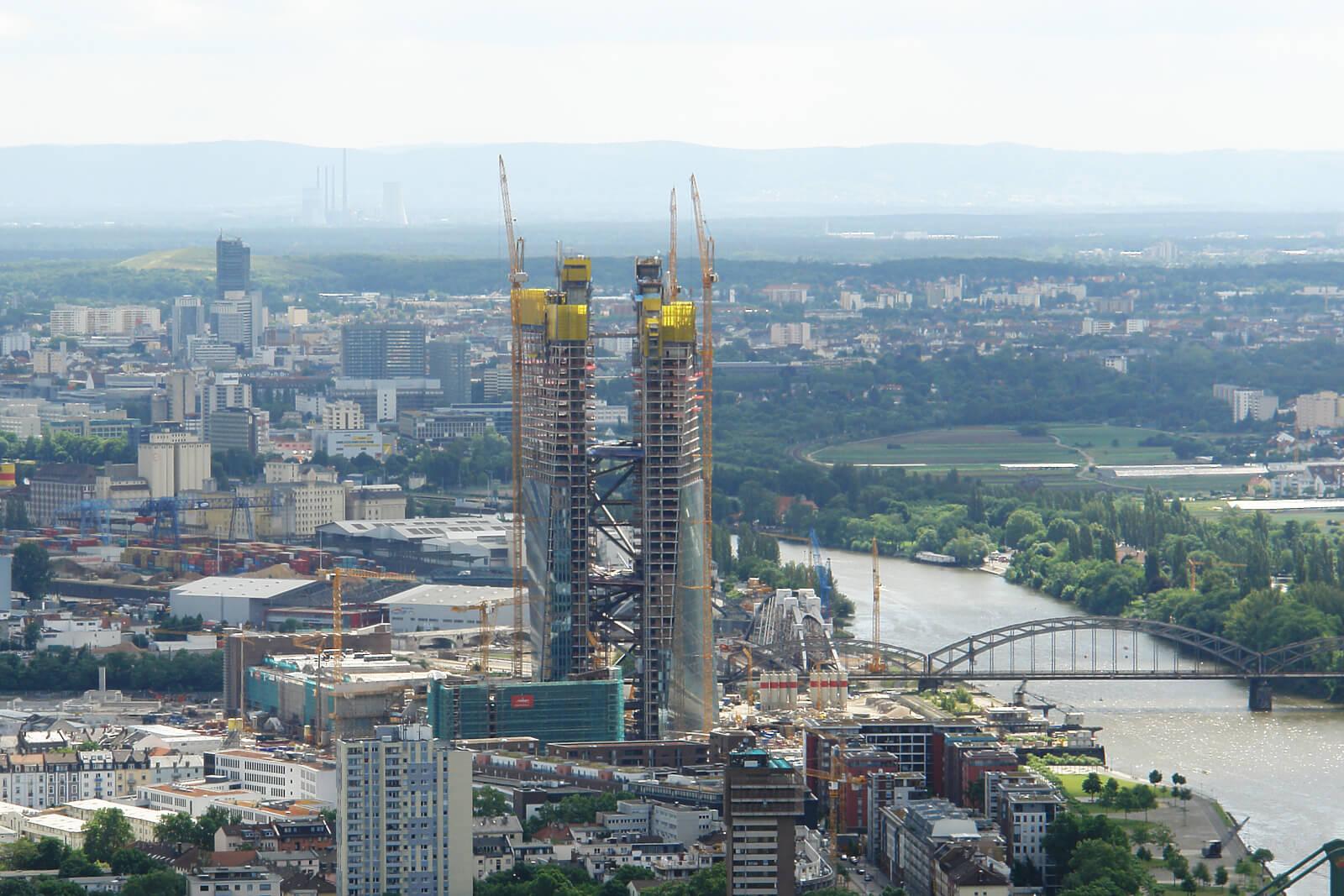 Mike Josef will den Hochhausbau - wie hier die EZB - beschränken