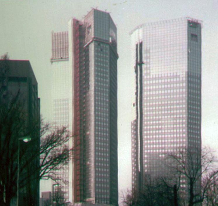 Deutsche Bank Hochhäuser in Frankfurt im Jahr 1984 während der Bauarbeiten - fotografiert von Frank Reuter