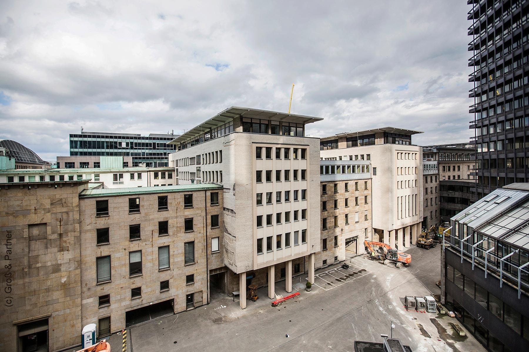 FOUR Frankfurt: Zeitplan für die Realisierung steht
