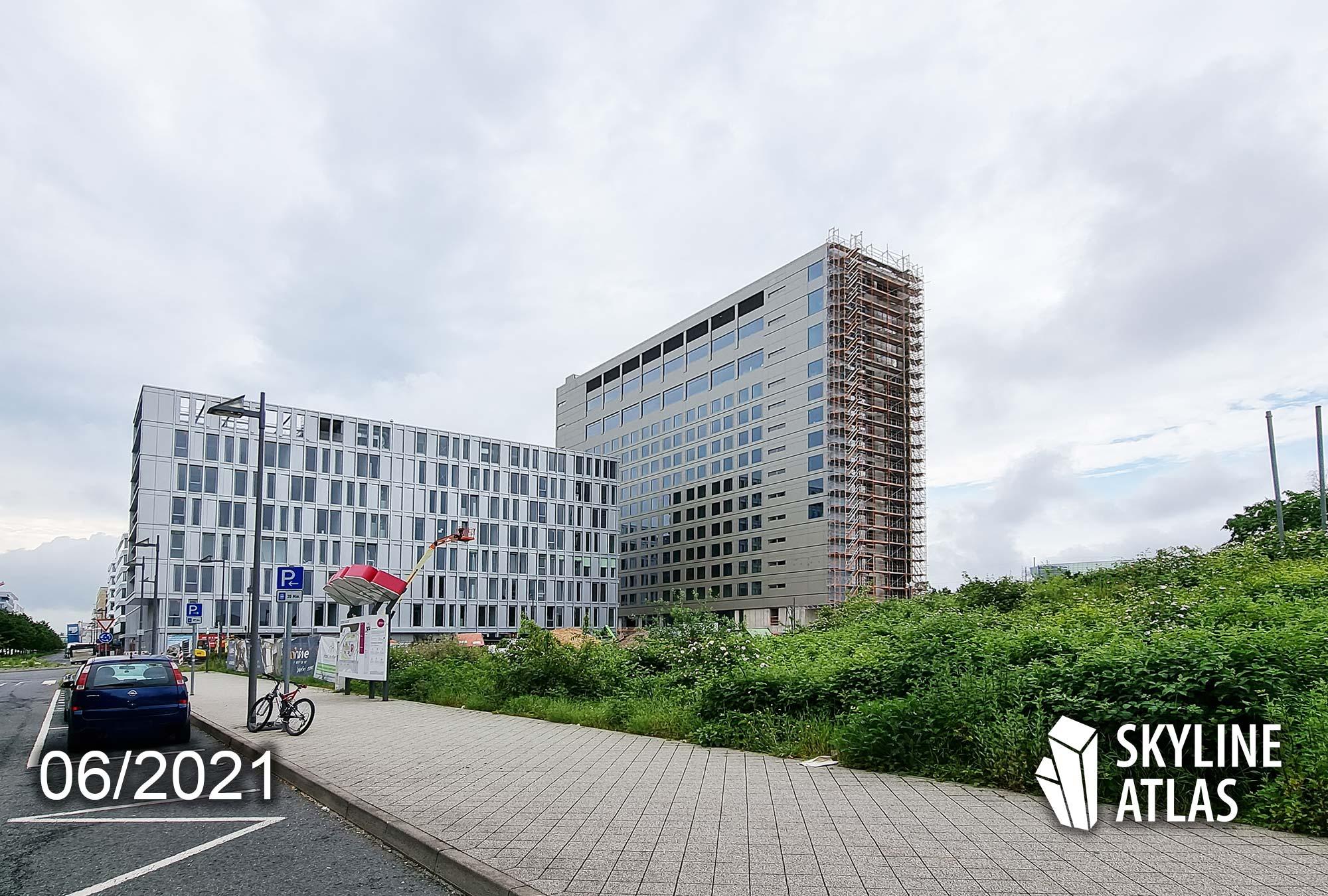 bmine Hotel Frankfurt Flughafen - B'Mine Hotel Gateway Gardens - Auto Aufzug Hochhaus - Juni 2021