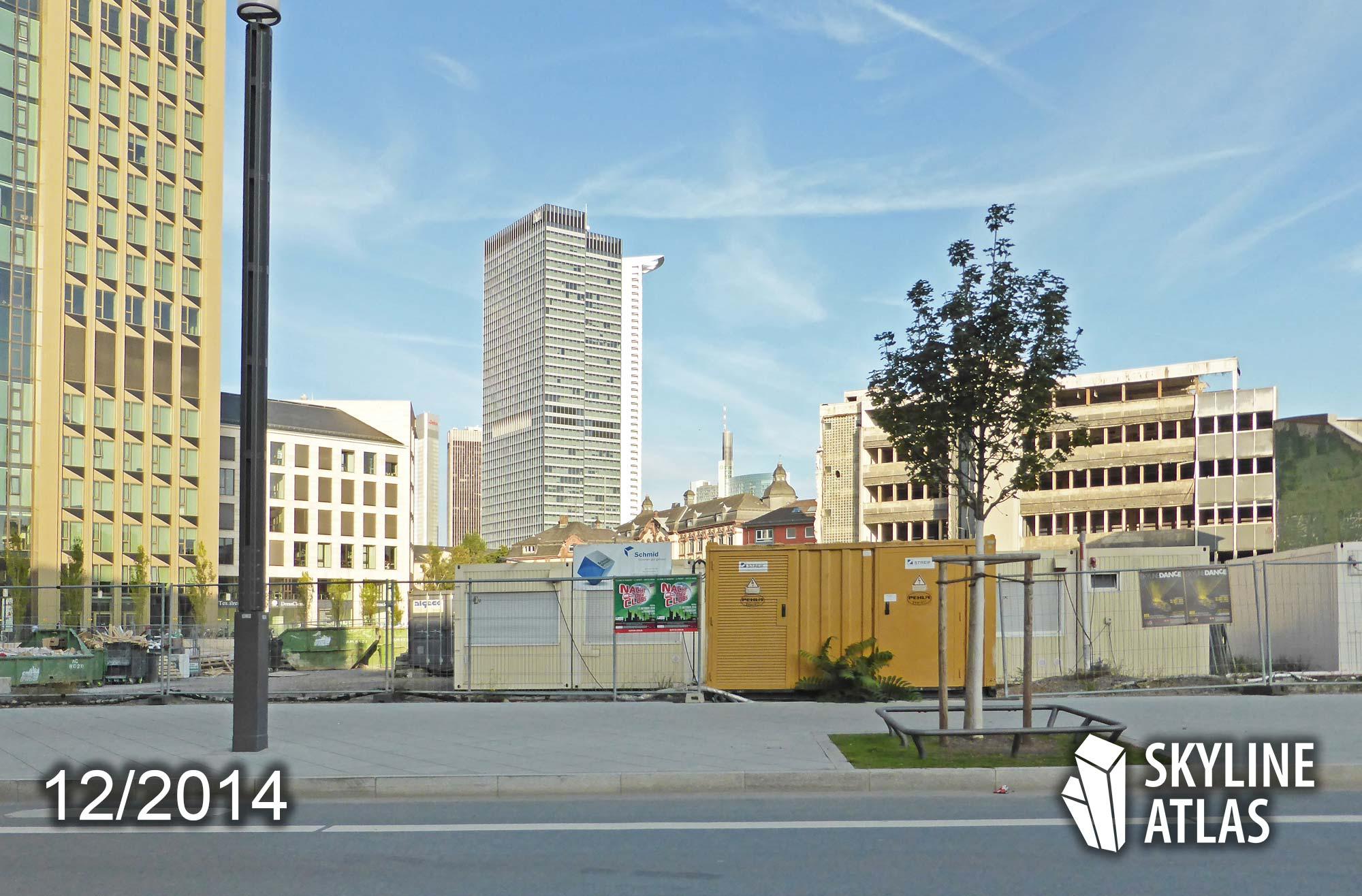 Das unbebaute Grundstück vom Millennium Tower in Frankfurt - links der Tower 185