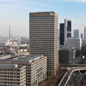 Luftaufnahmen in Frankfurt am Main - Drohnenaufnahmen Skyline und Hochhäuser