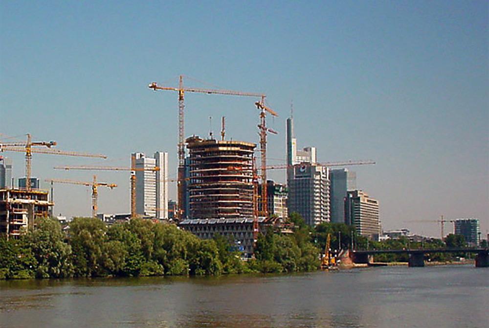 Westhafen Hochhaus - Ebbelwoi Glas - Baustelle und Baufortschritt im Juni 2002