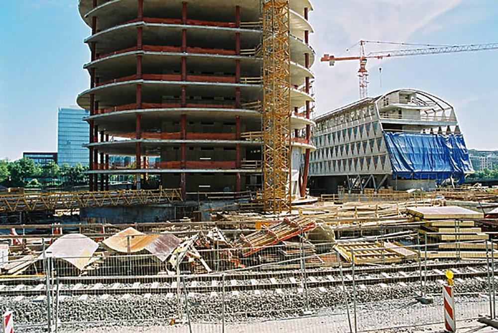 Westhafen Tower Frankfurt - Baustelle Sommer 2002 - Architekt schneider+schumacher