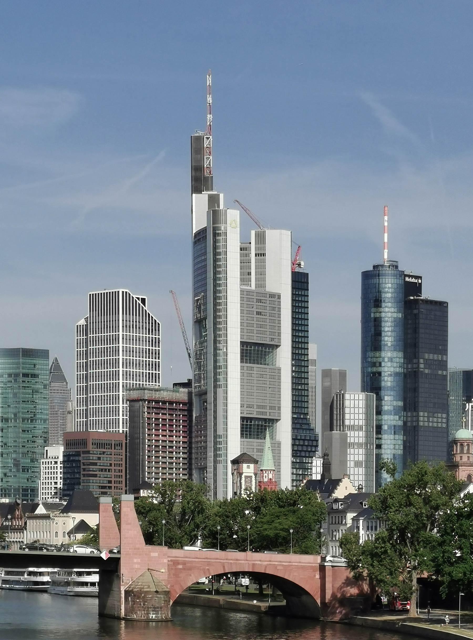 Commerzbank Tower Foto - Höchster Wolkenkratzer in Deutschland - Hochhaus Commerzbank AG - Commerzbank Zentrale