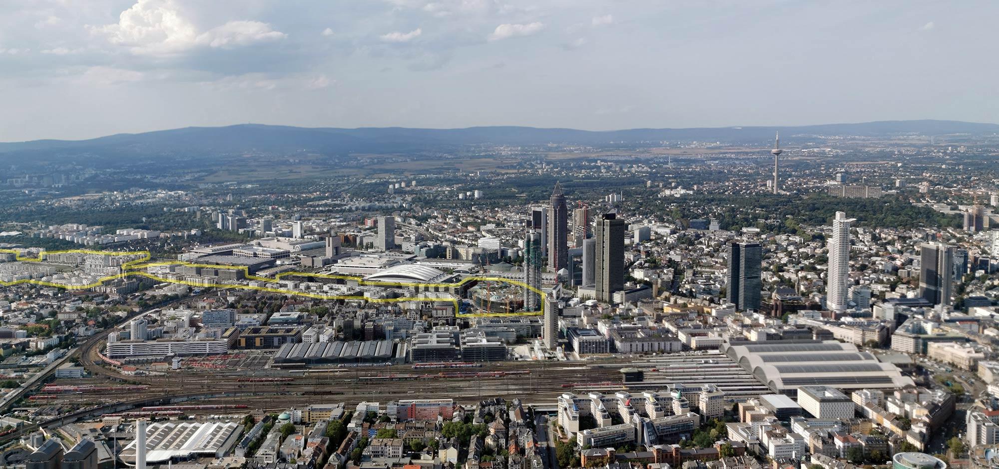 Europaviertel in Frankfurt am Main (im Luftbild markiert) - Panorama von Frankfurt am Main im September 2019 - mit Hauptbahnhof, Gleisvorfeld, Messe - Skylineflug mit Helikopter