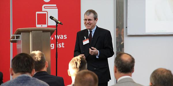 Hansjörg Leichsenring - Der Bank Blog - Vortrag bei einer Sparkasse als Redner - Experte für Banking