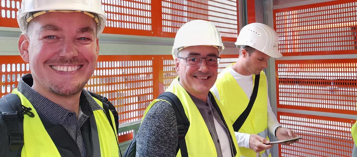 Das Team vom SKYLINE ATLAS auf einer Baustellenbesichtigung
