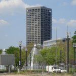 AfE-Turm in Frankfurt am Main - Foto Brutaismus Wolkenkratzer - Bild vom Universitätshochhaus vom Campus Bockenheim - AfE-Hochhaus