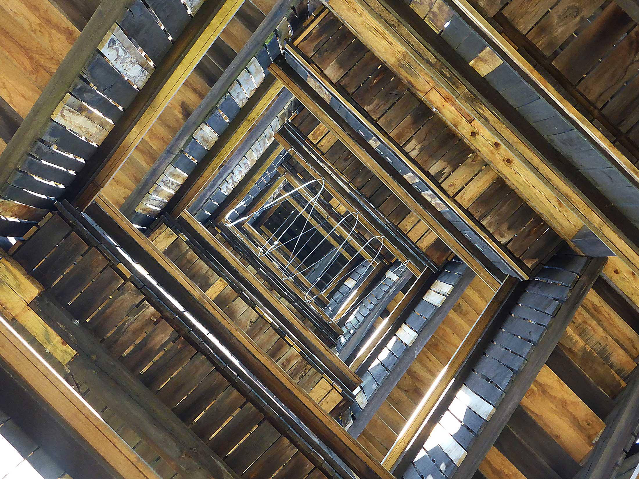 Goetheturm in Frankfurt am Main - Holzturm - Treppenaufgang - innen