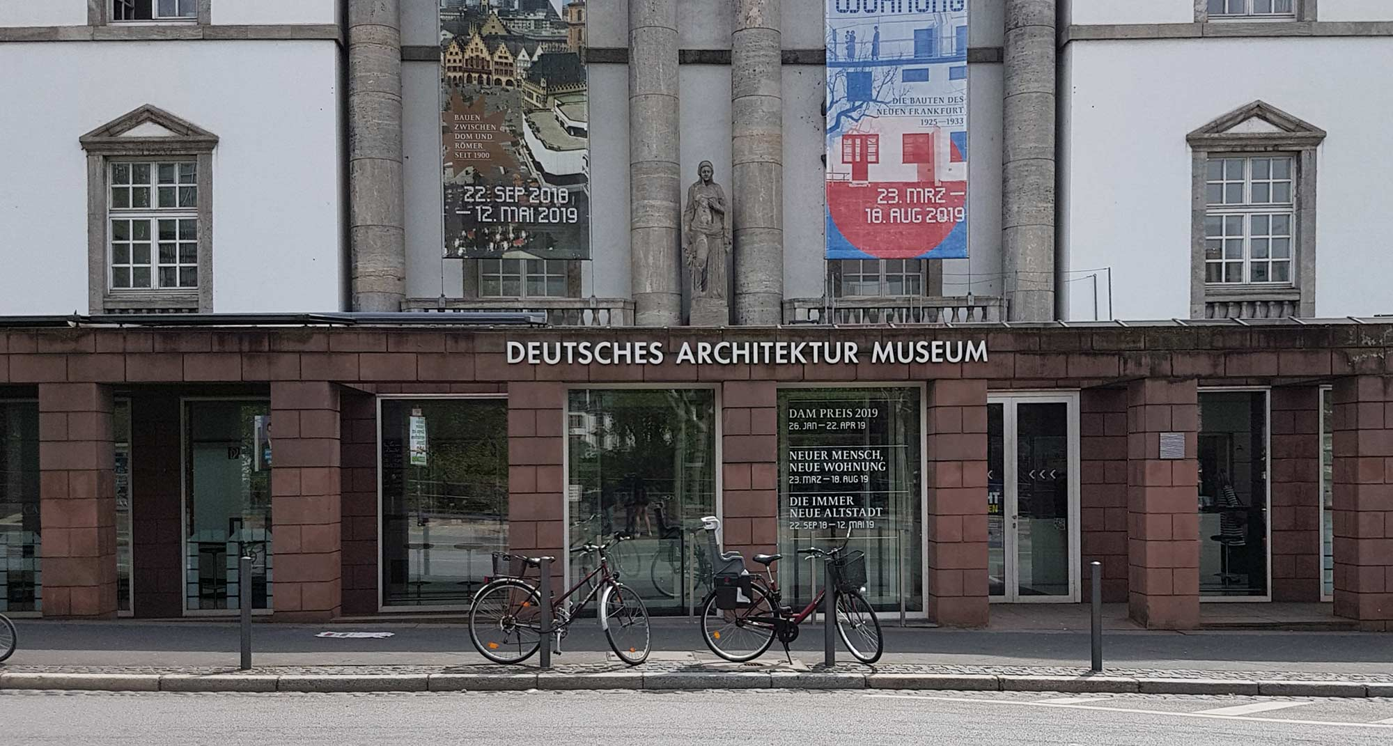 DAM Frankfurt - Eingangsbereich