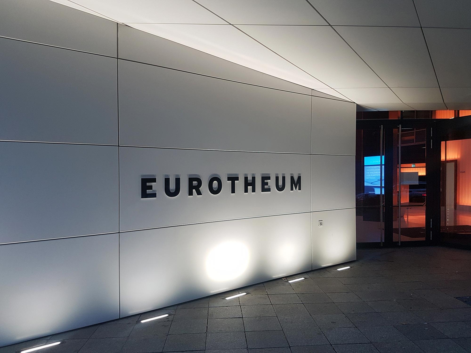 Eurotheum Logo und Eingang