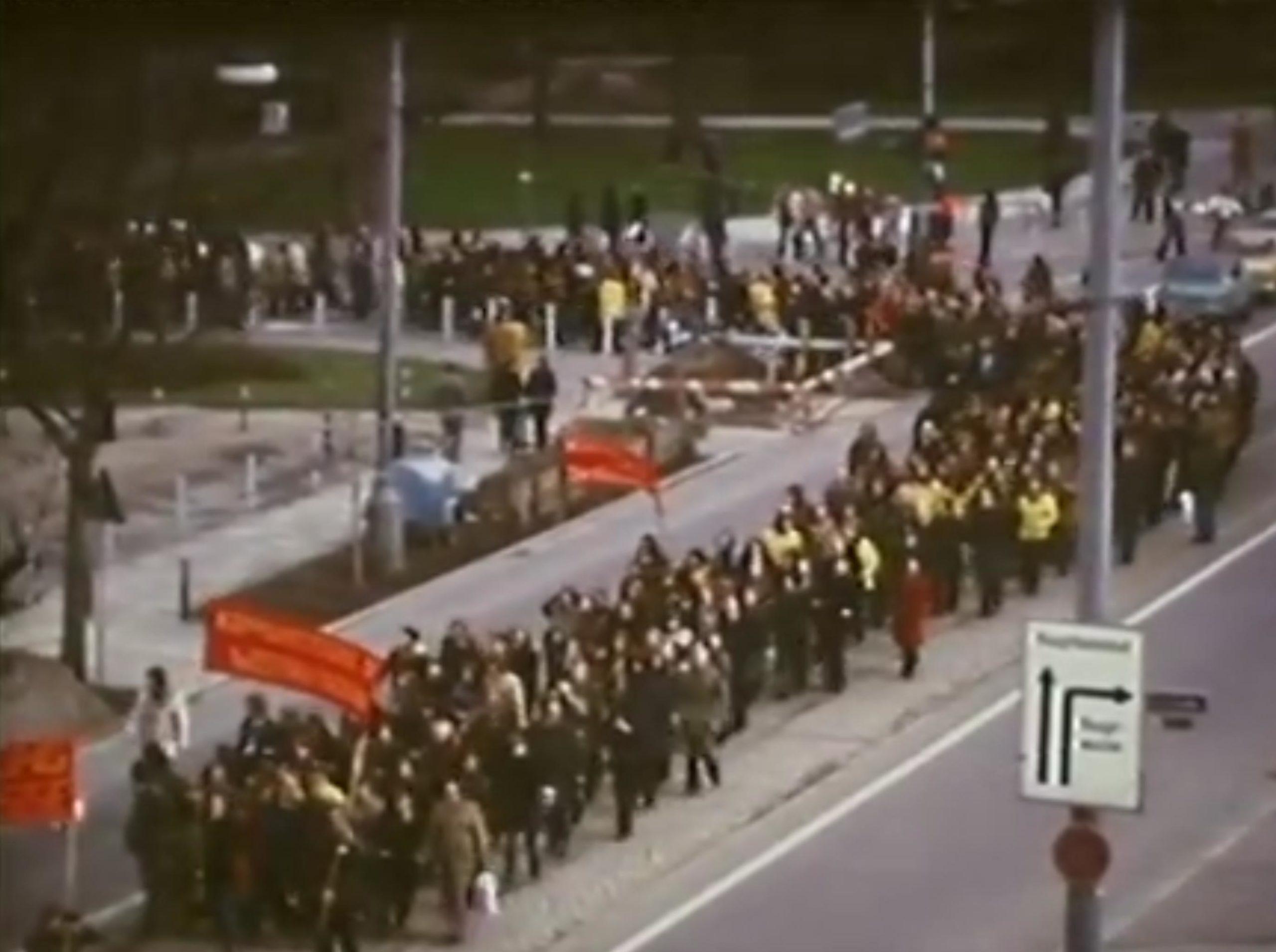 Frankfurter Häuserkampf - Friedliche Demonstration in Frankfurt 1974 gegen Wohnraumzerstörung