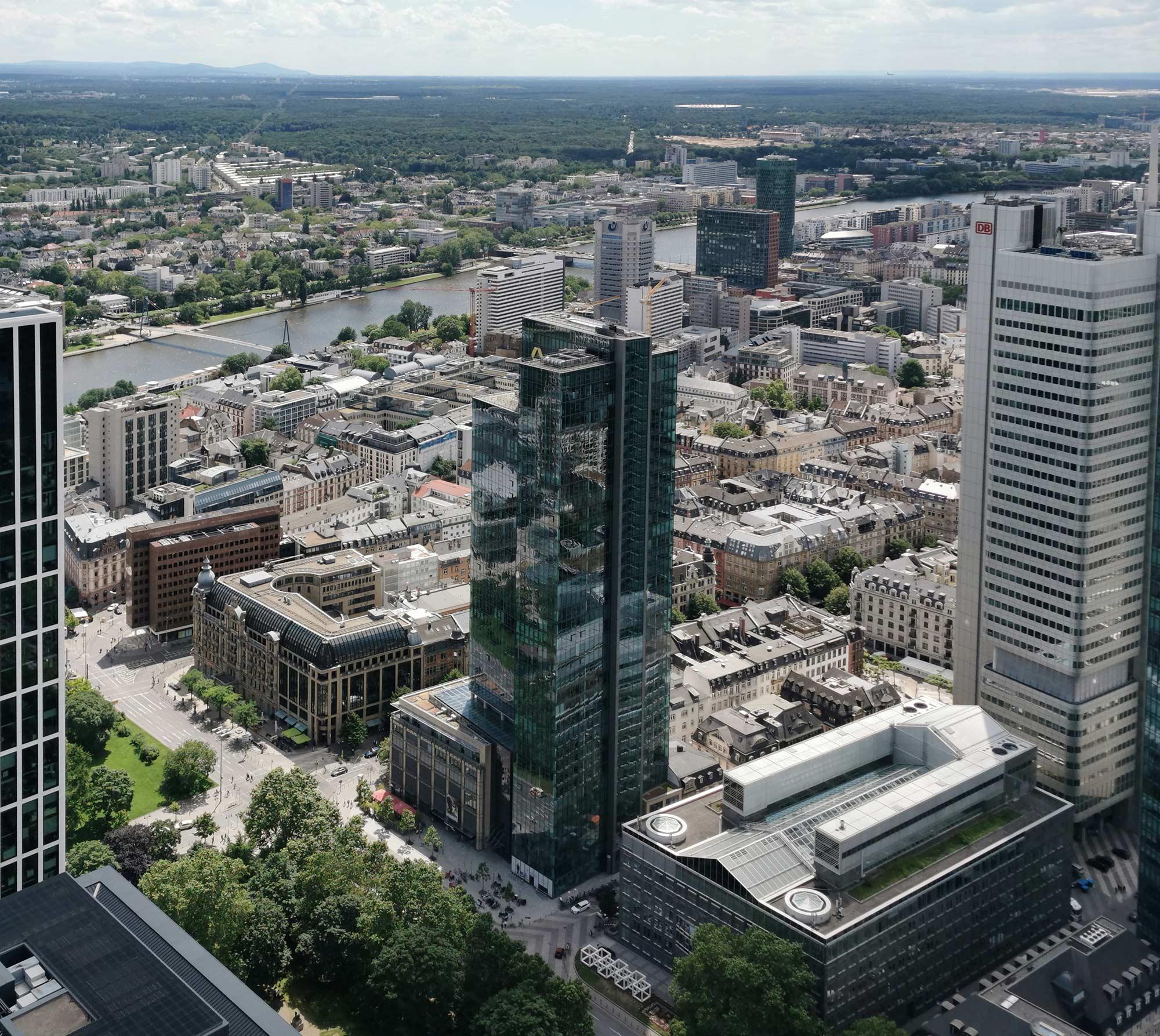 Gallileo Frankfurt - Hochhaus der Commerzbank - ehemaliges Dresdner Bank Hochhaus - Galileo Hochhaus an der Gallusanlage - Gallileohochhaus