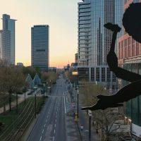 SILENCE – Frankfurt am Main aus der Luft während dem Coronavirus-Lockdown im April 2020