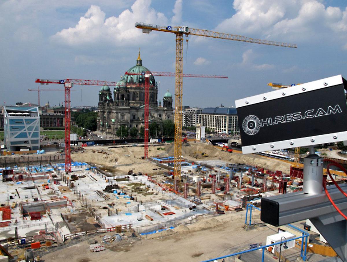 Bilderfassung mit Webcam am Berliner Schloss: Hi.Res.Cam liefert die Baustellendokumentation für Baustellen, Bürogebäude und Industriegebäude in Deutschland, Österreich, Schweiz sowie in Europa