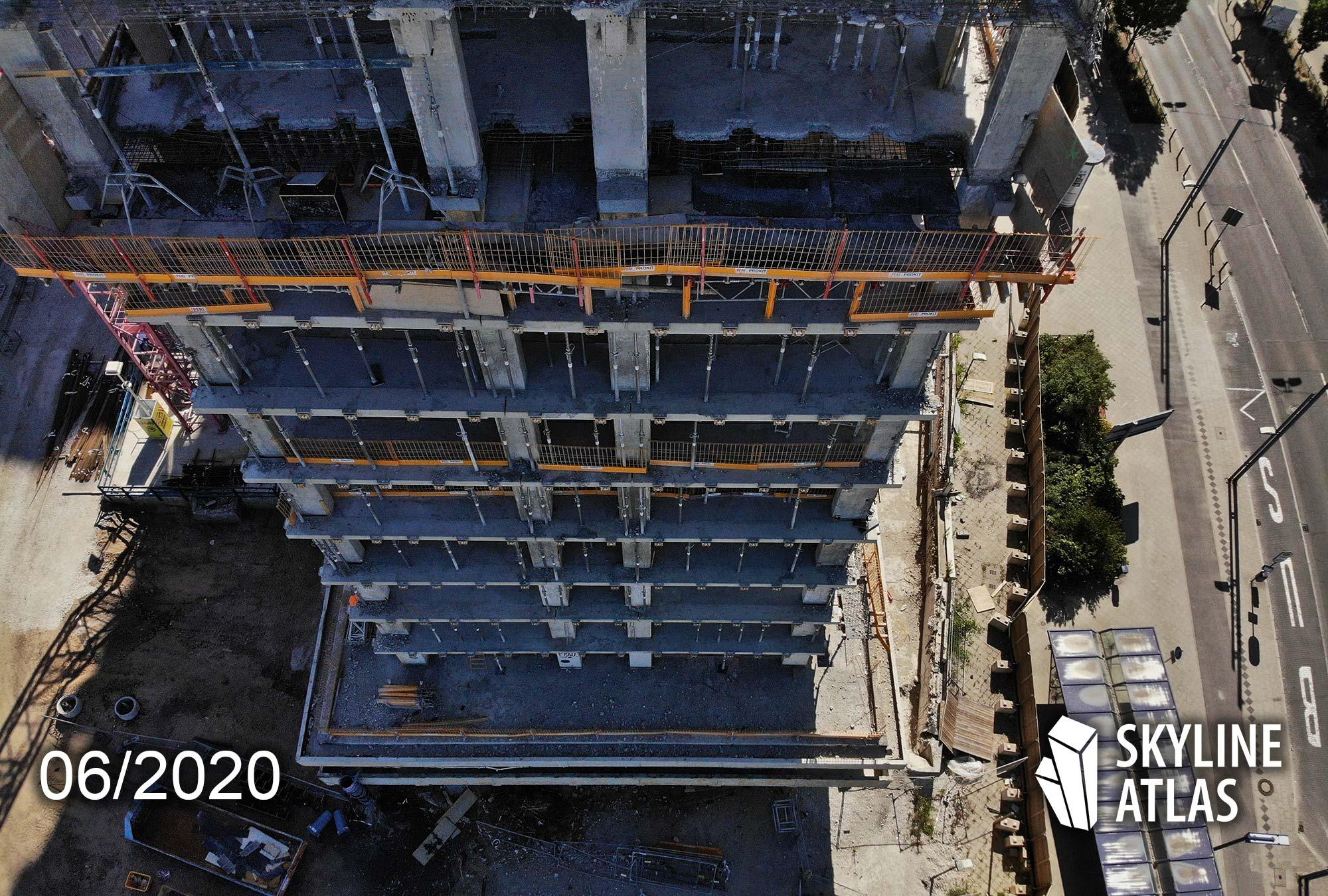 Ehemalige Siemens-Hochhäuser am Kaiserleikreisel Offenbach - New Frankfurt Tower Fassade - Bauarbeiten im Juni 2020 - Peri Geländer