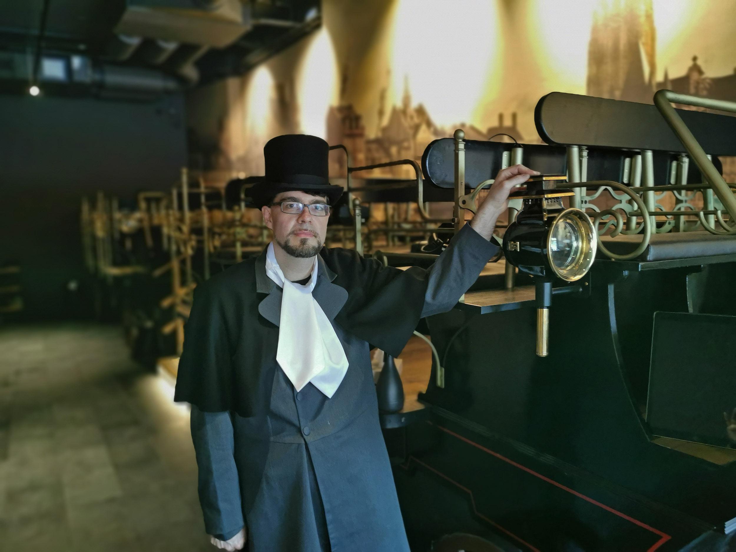 Historisierte Kutsche - Hier setzen sich Besucher rein und erfahren die Stadtgeschichte von Frankfurt mit einer 360 Grad Oculus Rift VR Brille