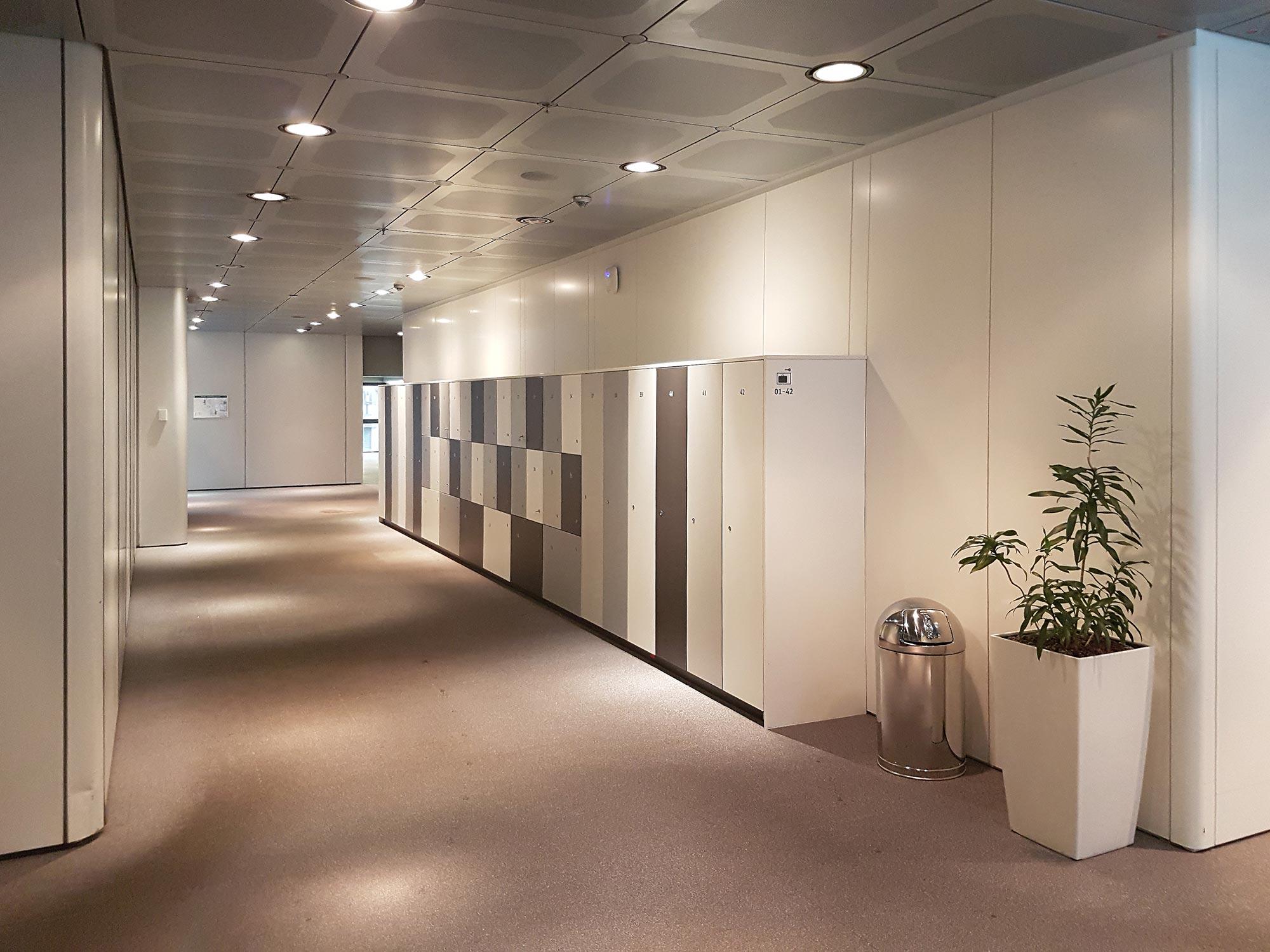 Hochhaus von innen - Büroetage - Büros Bahnhofsviertel - Frankfurt Silberturm der Deutsche Bahn AG