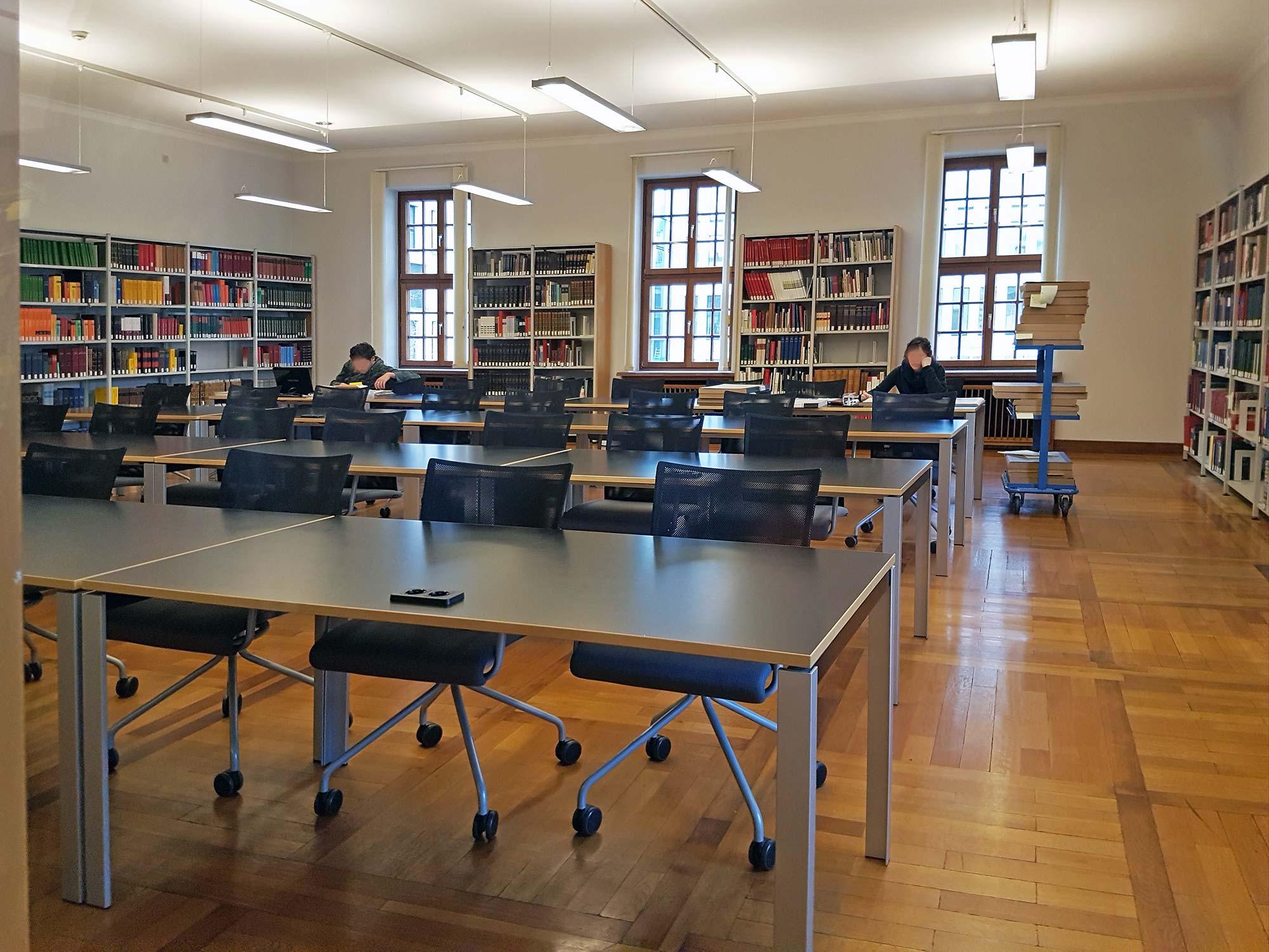 Lesesaal ISG - Institut für Stadtgeschichte in Frankfurt am Main - Stadtarchiv Frankfurt - Bibliothek