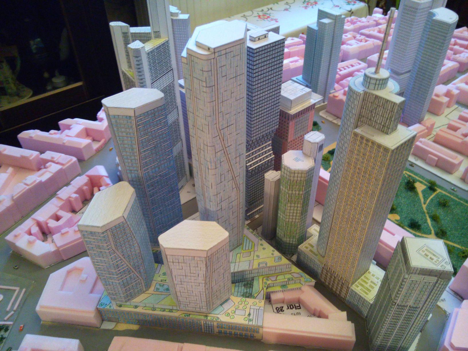 Bankenviertel Modell - Stadtmodell Frankfurt - Hochhausmodell von Frank Reuter - mit FOUR Frankfurt