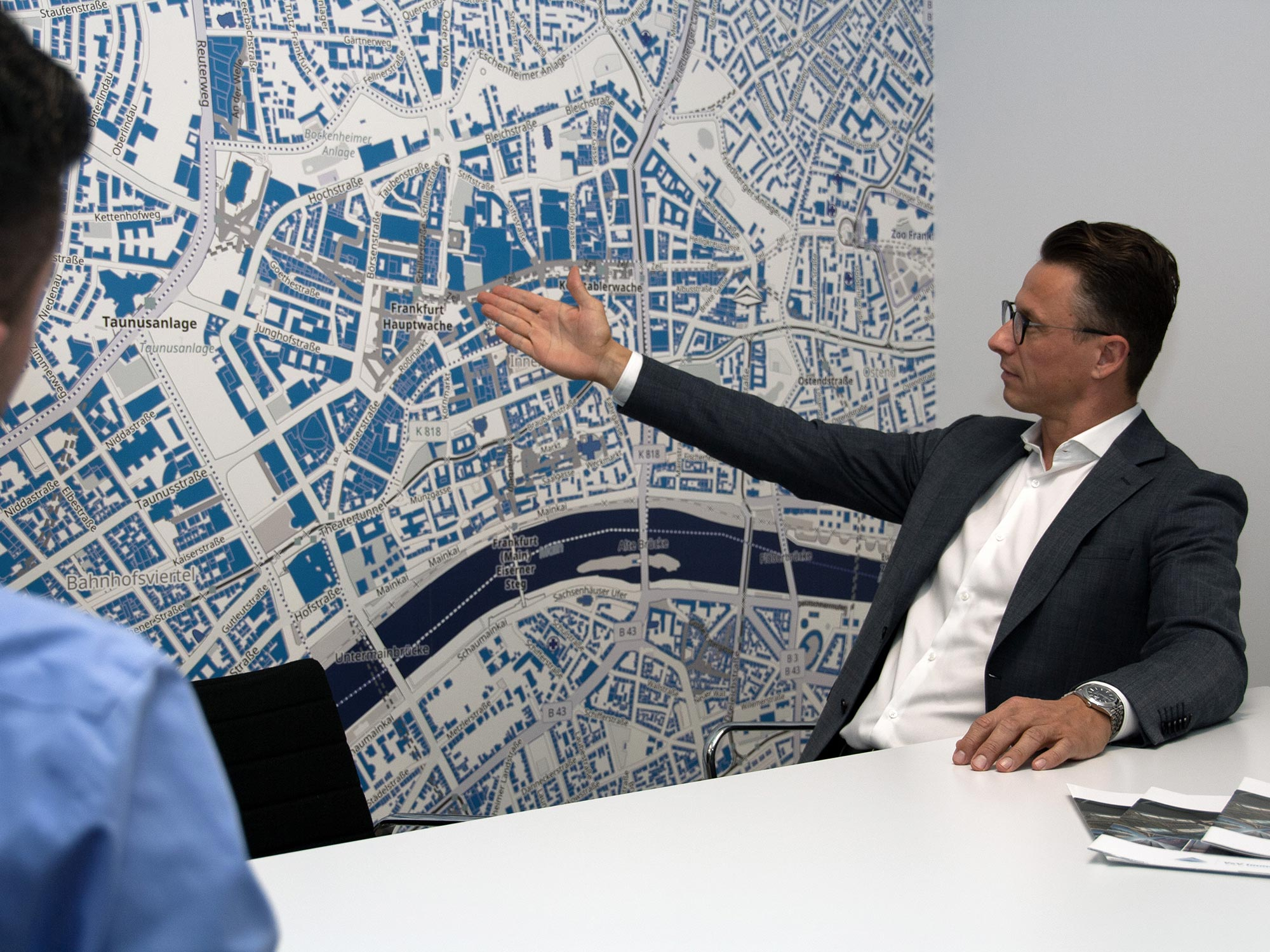Beratung für Immobilienkäufer - V&V Immobilien sind Experten für die Vermittlung von Büroflächen in der Frankfurter Innenstadt