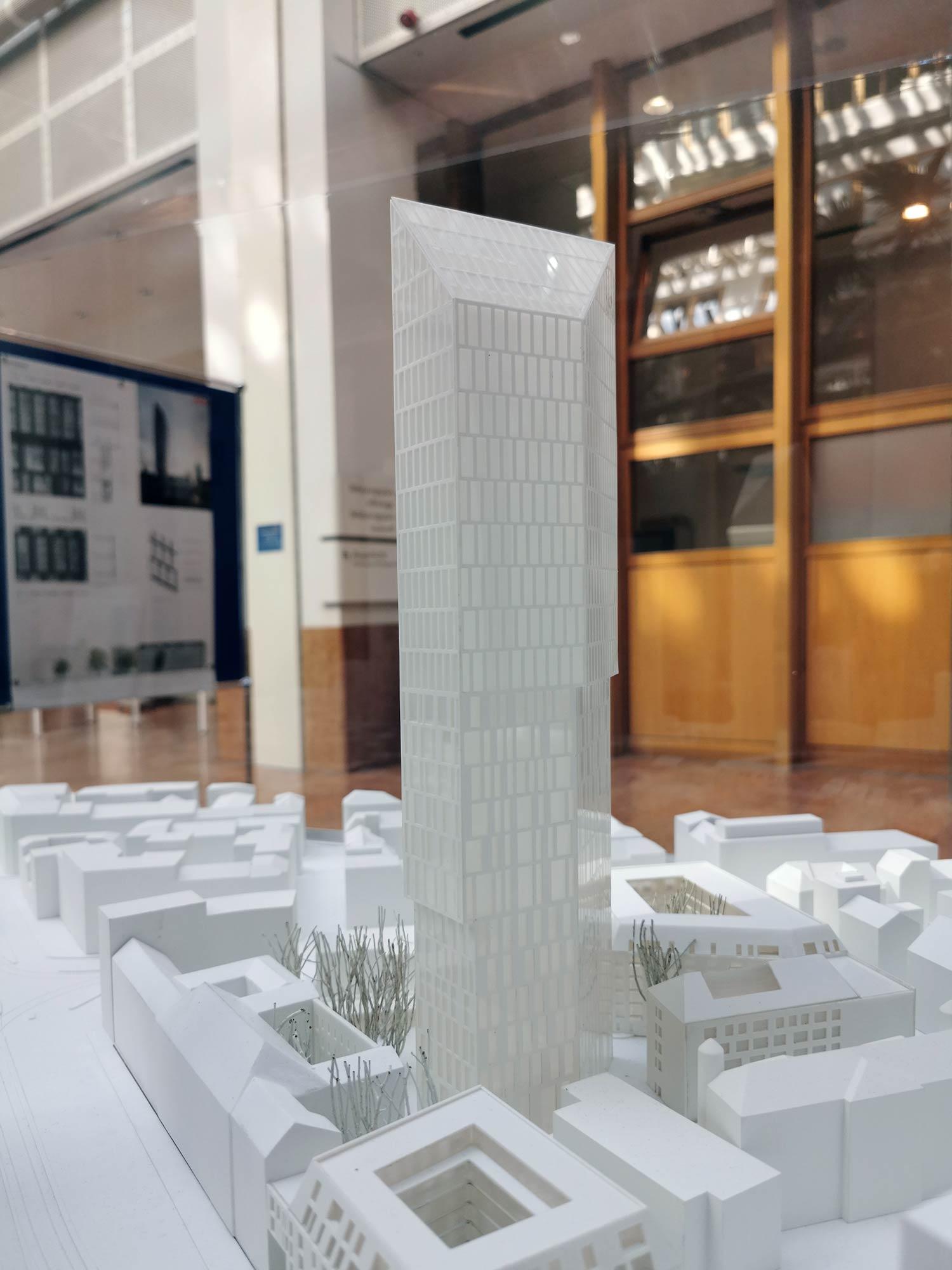 Das Präsidium - altes Polizei-Präsidium - Hochhausturm Meixner Schlüter Wendt - Ausstellung im Stadtplanungsamt