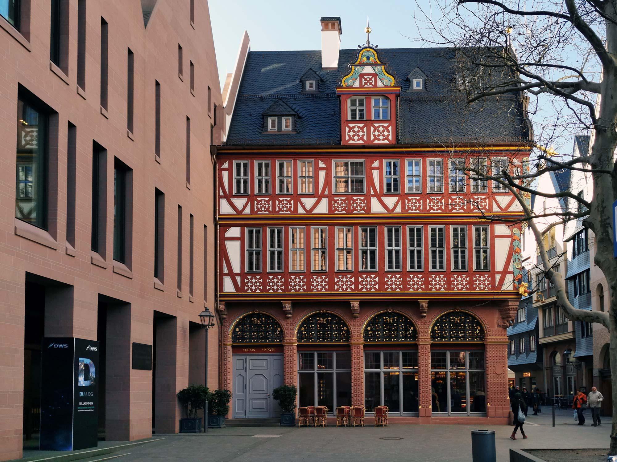 Goldene Waage Frankfurt - Haus zur Goldenen Waage in Frankfurt am Main - Neue Altstadt