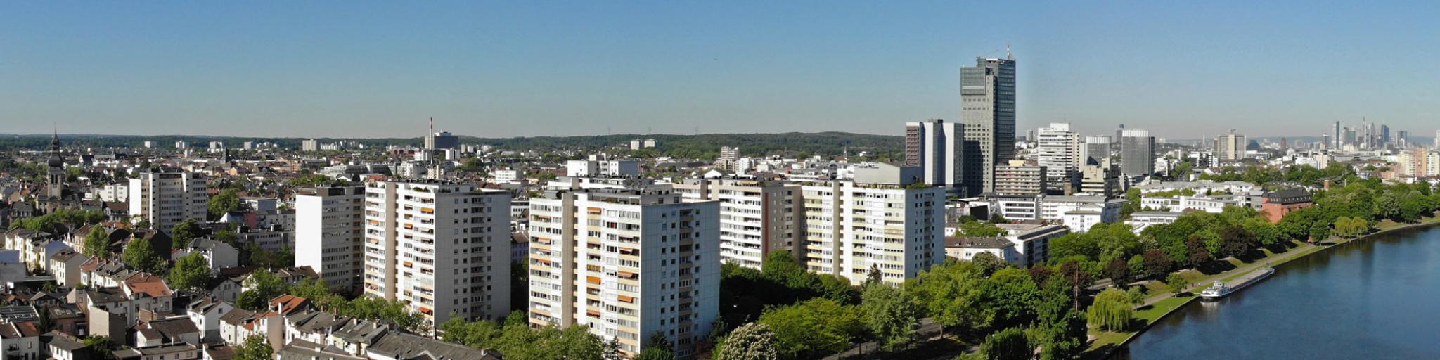 Panorama Offenbach am Main - Drohnenflug Offenbach - Luftbild Offenbach am Main - Skyline Offenbach - Hochhäuser Offenbach