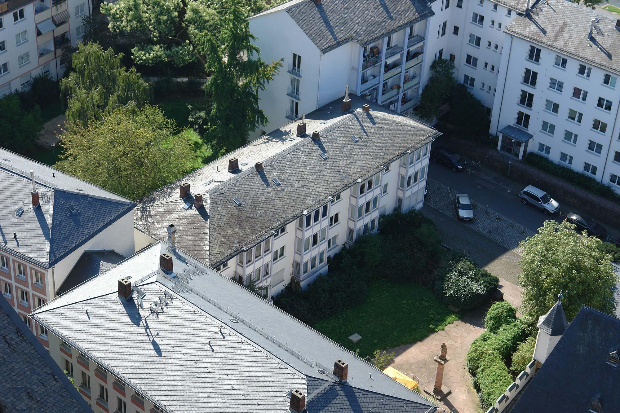 Schnell errichtete Bauten der 1950er und 1960er Jahre. Altstadt Frankfurt bedeutet nicht alte Gebäude.