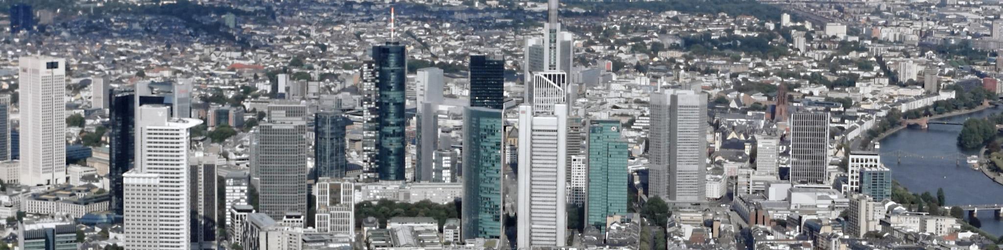 Bankenviertel Frankfurt am Main - Frankfurt CBD - Panorama Bild Bankenviertel - Bankentürme Panorama - Finanzviertel FFM
