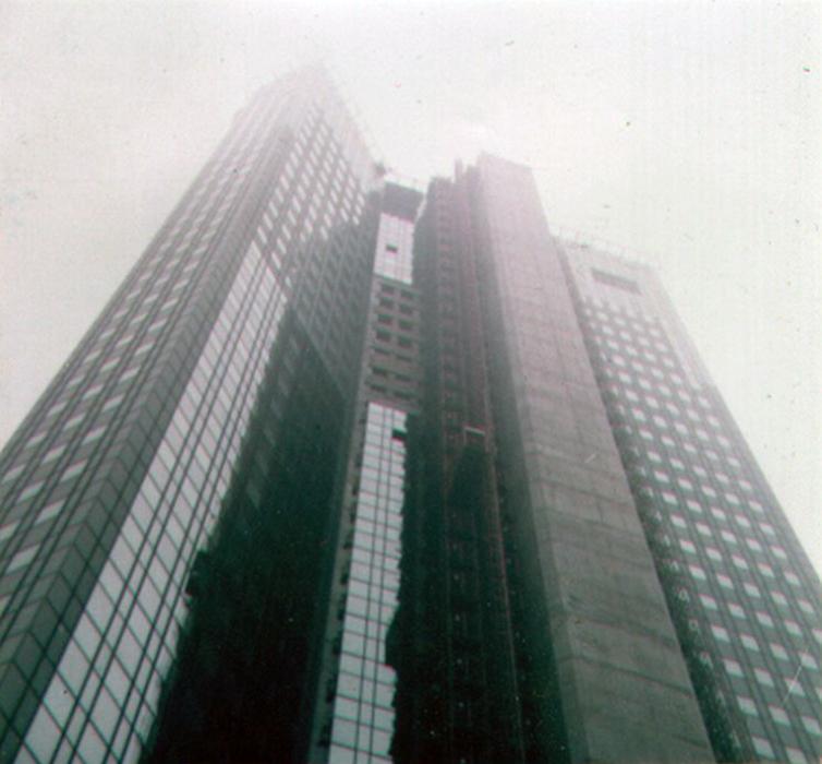 Deutsche Bank Hauptsitz in Frankfurt im Jahr 1984 während der Bauarbeiten - fotografiert von Frank Reuter