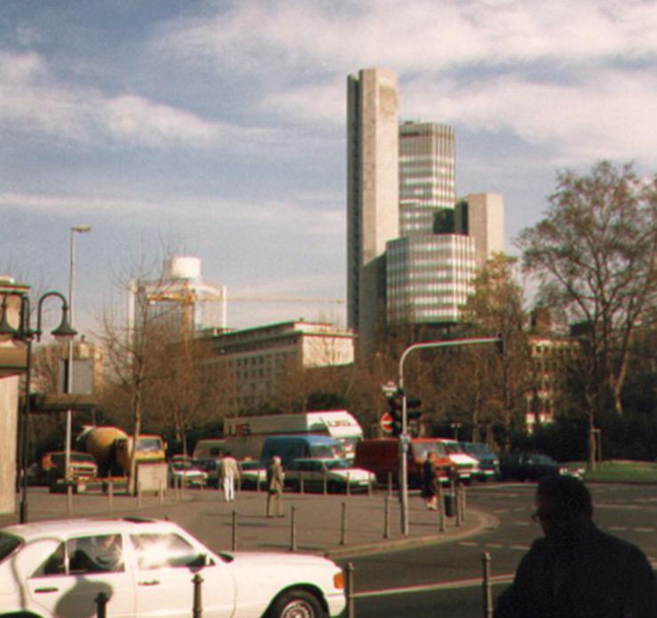 Frankfurt Helaba - Das Hochhaus der hessischen Landesbank ca. im Jahr 1986 - Garden Tower - Fotografiert von Frank Reuter