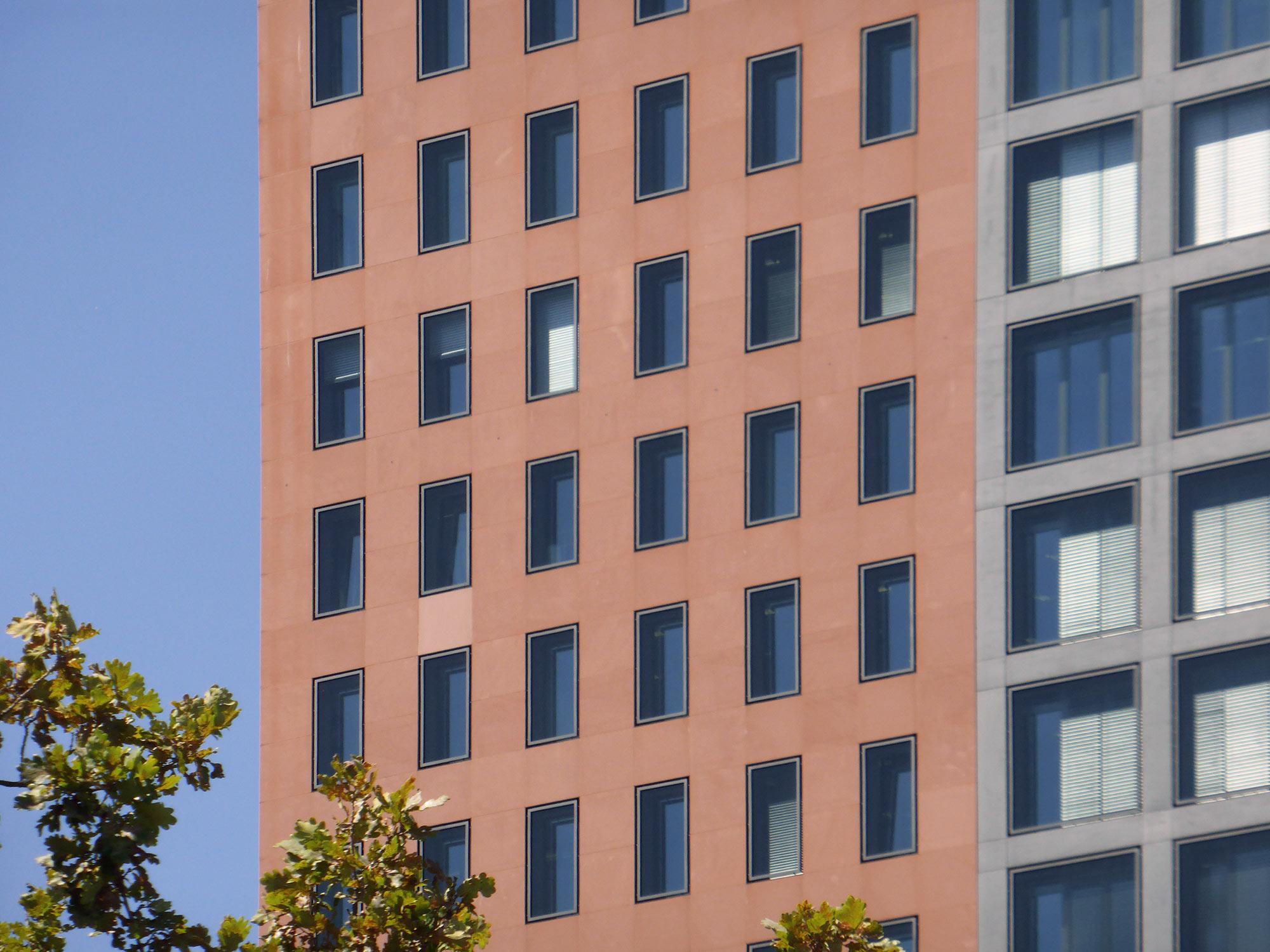Frankfurt Main Forum Fassade - Moderne Architektur Frankfurt - IG Metall Hochhaus