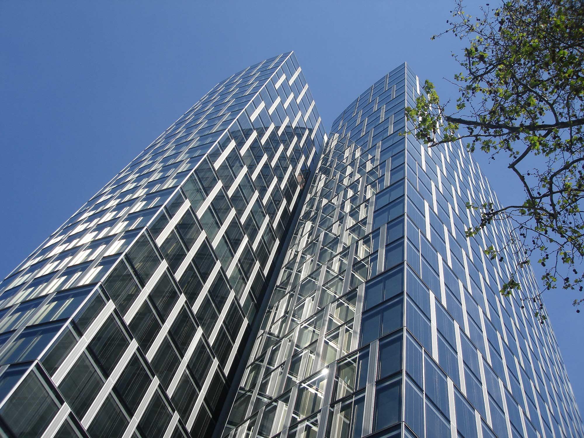Frankfurt Westend Duo Hochhaus - Bürohaus Westend - Fassade Westendduo - Deutsche Bank Hochhaus - DWS Investment