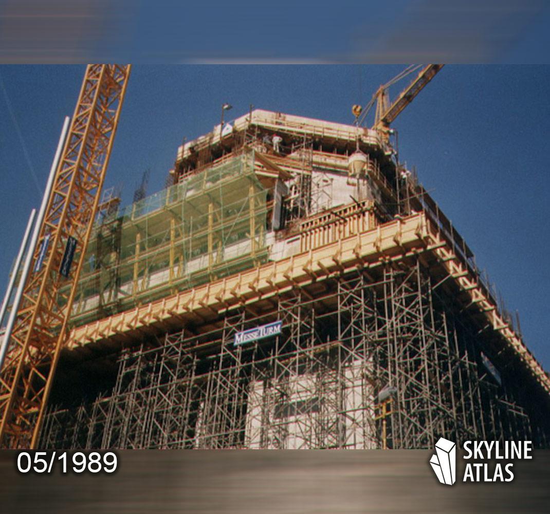Der Frankfurter MesseTurm während seiner Bauphase im Frühjahr 1989 - fotografiert von Frank Reuter