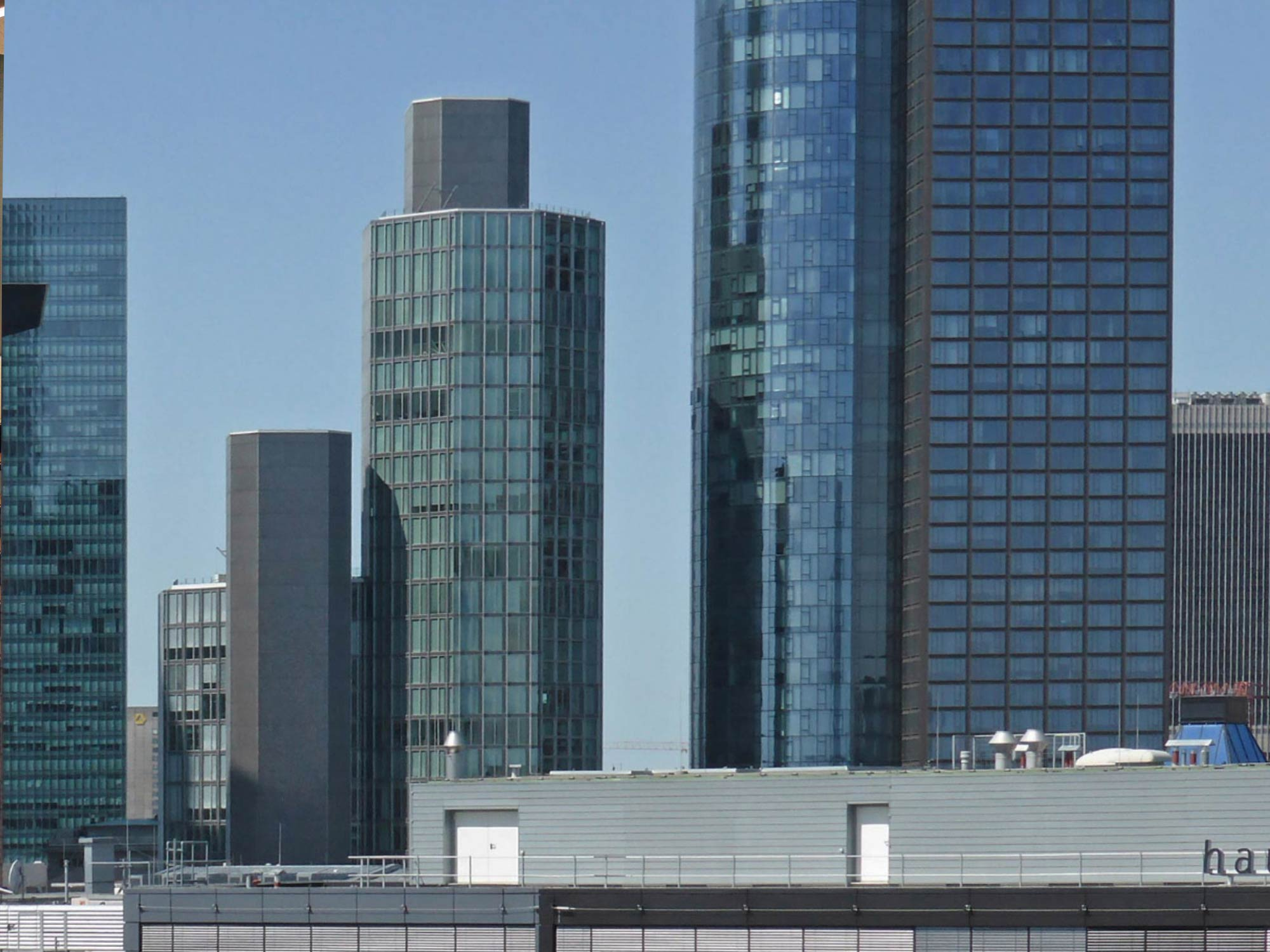 Garden Tower Frankfurt Bankenviertel- Neue Mainzer Strasse - Coworking Frankfurt CBD - Tribes Garden Tower