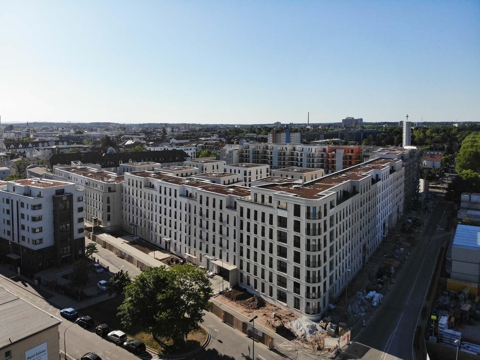 Goethequartier Offenbach - unmittelbar neben dem Vitopia Campus liegt das neue Wohnprojekt Goehe Quartier mit Hunderten von Wohnungen und einem EDEKA Markt (Sommer 2020)
