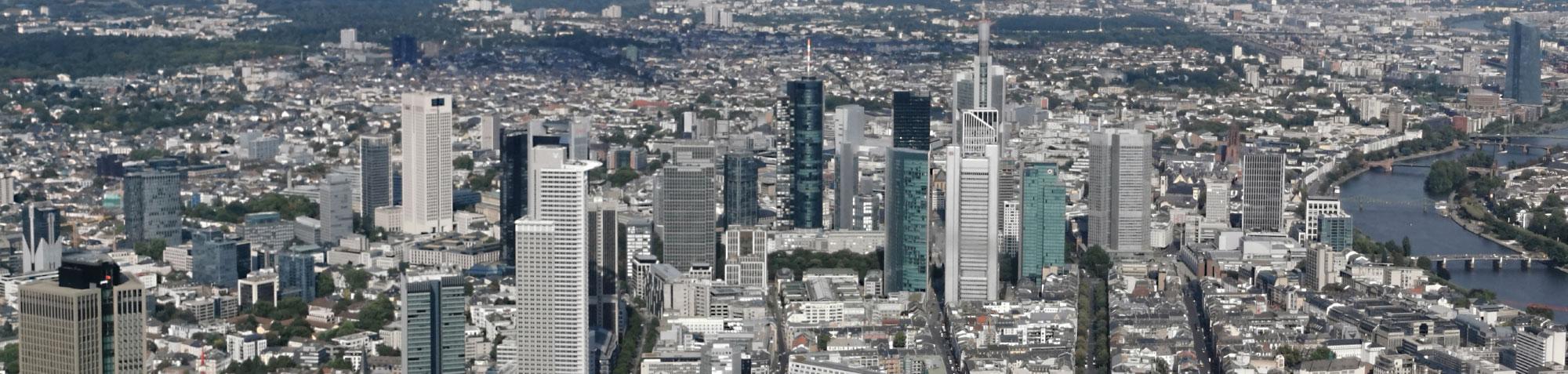 Mainhattan - Hochhausstadt Frankfurt - Skyline und Wolkenkratzer in der Bankenmetropole - Finanzhauptstadt - WIrtschaftsmetropole