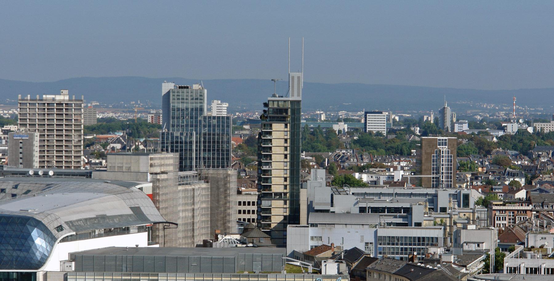 Skylight Frankfurt am Main - Hochhaus Sir Richard Rogers und ABB Architekten - Wohnturm Frankfurt Innenstadt - Wohnungen zur Vermietung im Hochhaus