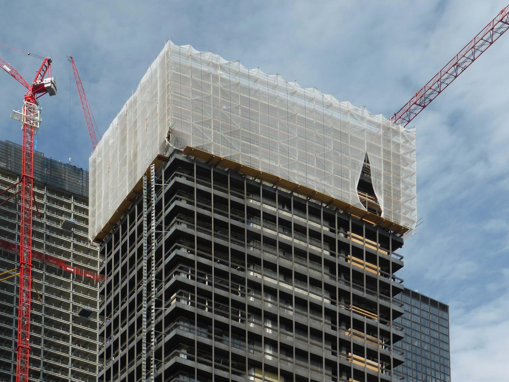 DGNB Zertifikat Vertical City - Four Frankfurt Rückbau - ehemaliges Deutsche Bank IBCF Hochhaus wurde zurückgebaut - hier im Jahr 2018