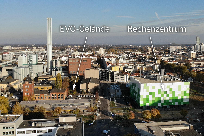 Das Gelände der EVO (Energieversorung Offenbach) mit einem daneben liegenden Rechenzentrum, das kürzlich errichtet wurde (Main DC)