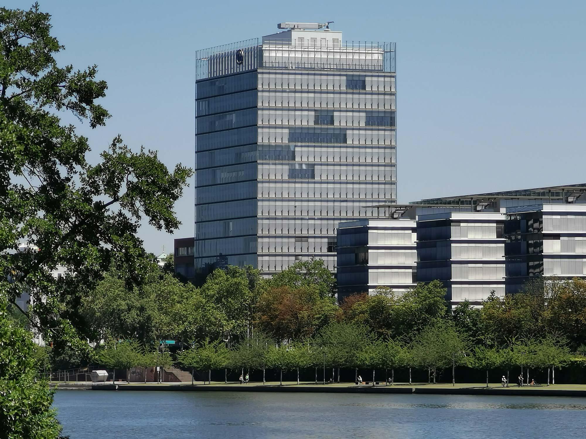 Allianz Beratungs- und Vertriebs-AG Frankfurt - Allianz Kai Frankfurt