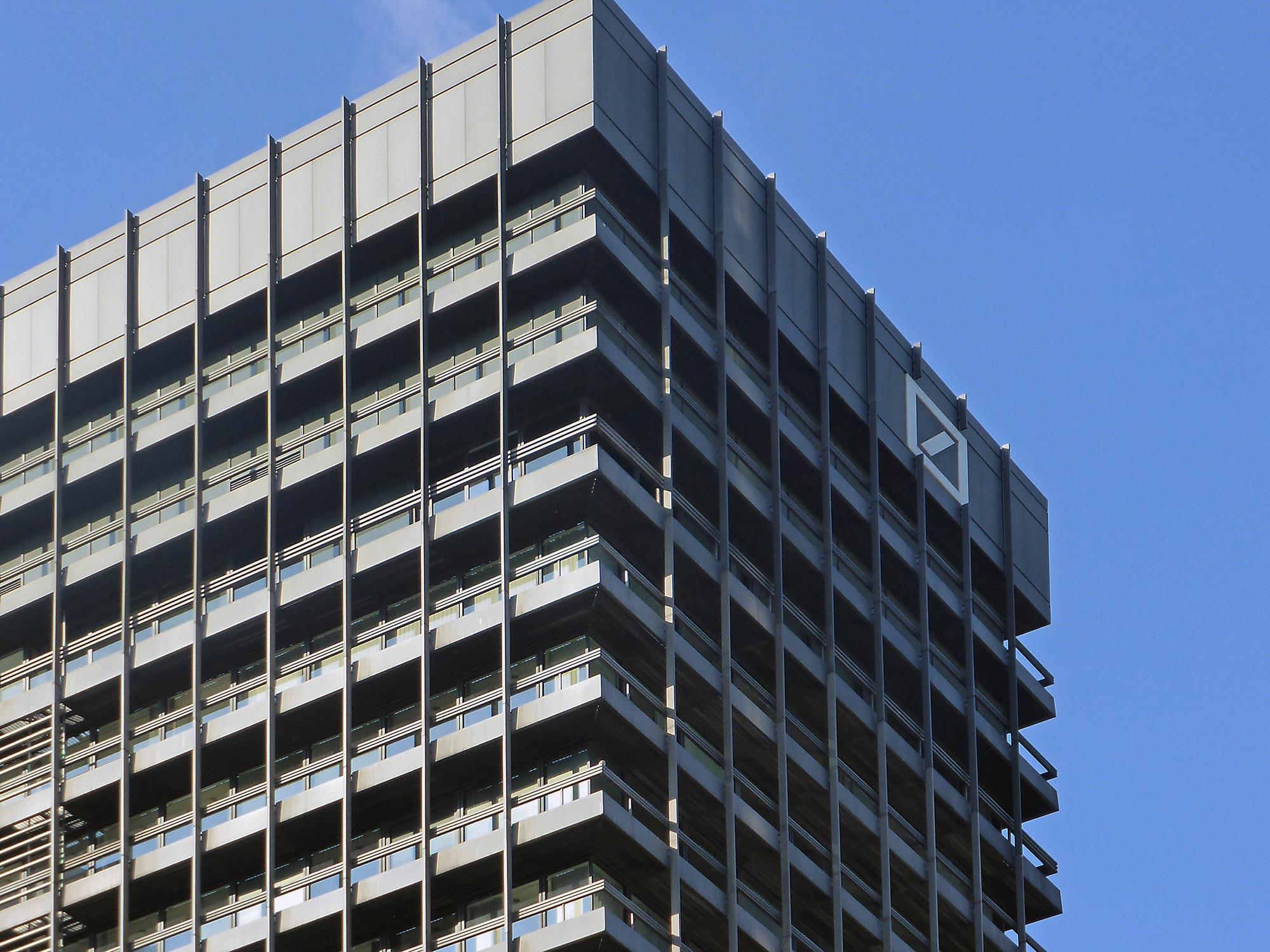 Frankfurt Deutsche Bank Hochhaus im Bankenviertel - abgerissen 2018