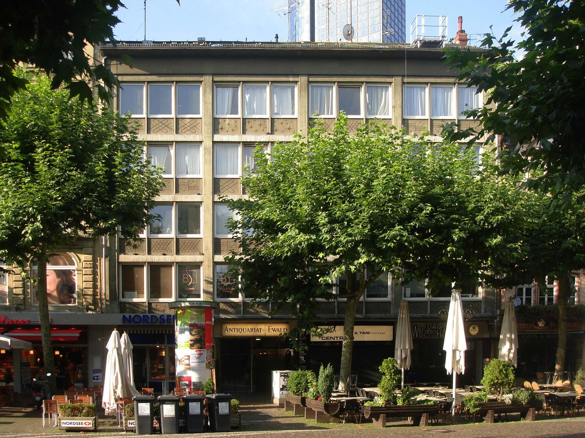 Nachkriegsarchitektur Frankfurt - Architektur der 1950er und 1960er Jahre - Große Bockenheimer Straße 27 in Frankfurt am Main - Innenstadt