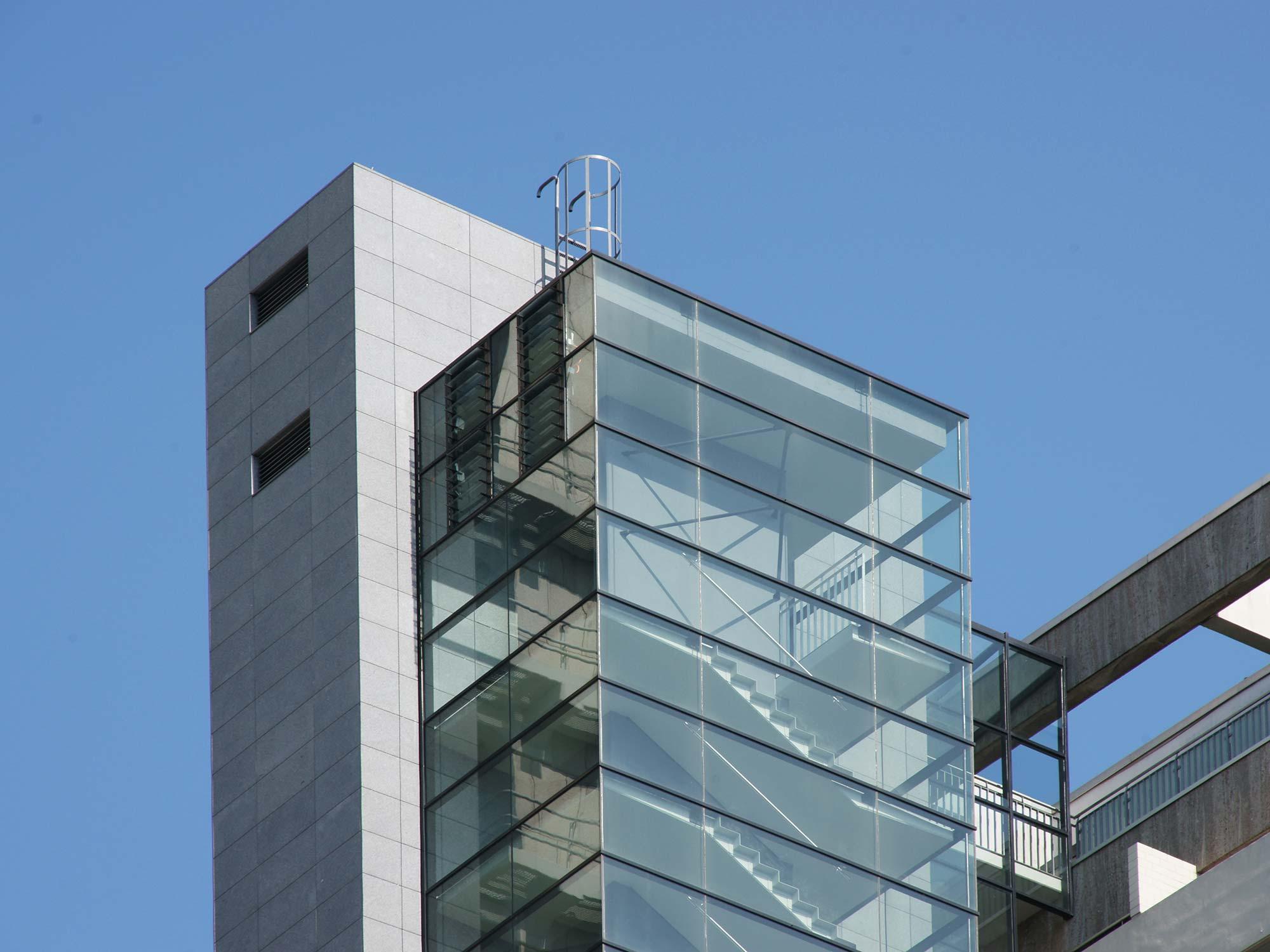 Interconti Frankfurt Hotel - Aufzugsturm und Treppenhaus Turm - gebaut 2009