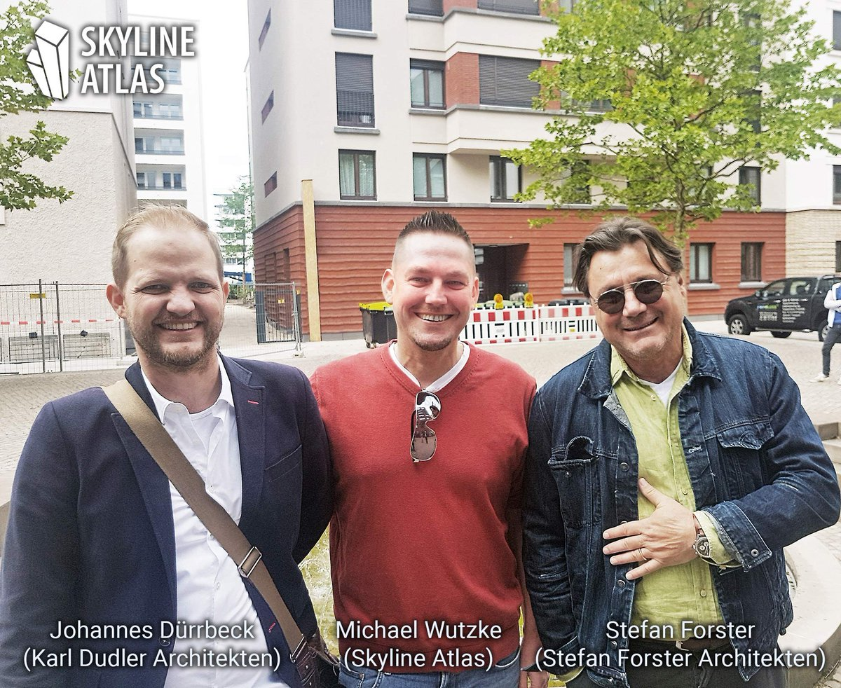 Johannes Dürrbeck (Karl Dudler Architekten), Michael Wutzke (SKYLINE ATLAS) und Stefan Forster (Stefan Forster Architekten) bei einem Rundgang zur Architektur in Frankfurt